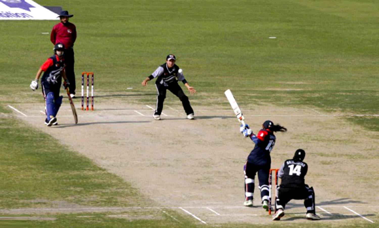 A women's national T20 tournament match (Sindh vs. Balochistan) being played at Gaddafi Stadium. (Pic: The News)