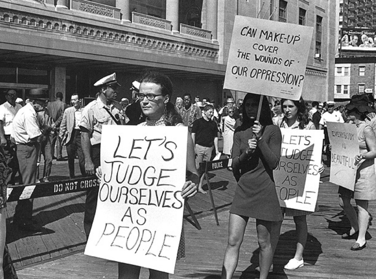 A protest outside the 1968 Miss America Pageant - Gender Press