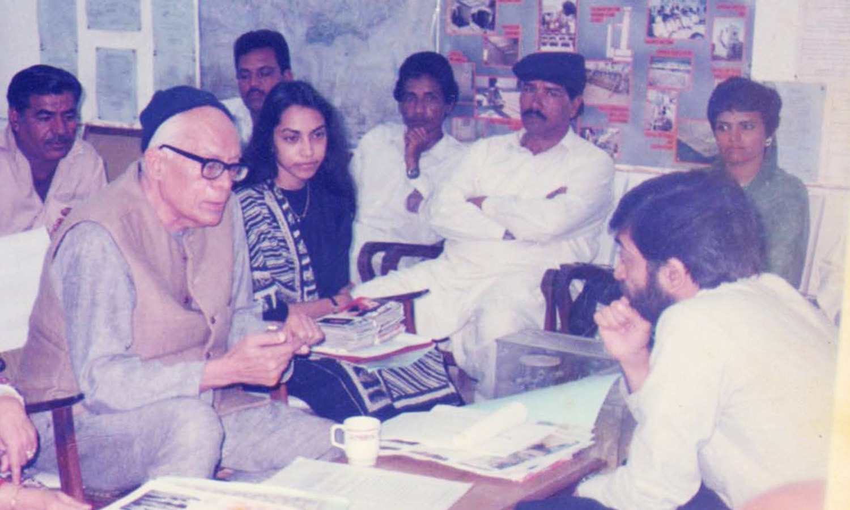 With the legendary Akhtar Hameed Khan, founder of OPP. — Photo courtesy OPP