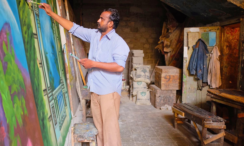 Parvez Bhatti working on his latest masterpiece.