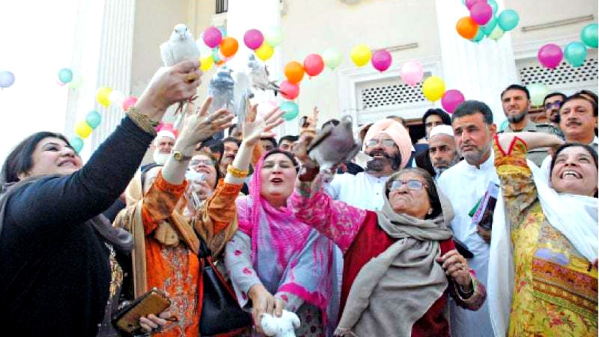 KP Assembly Deputy Speaker Dr Mehar Taj Roghani and other MPAs releasing pigeons at a function to mark International Women's Day last year. — White Star
