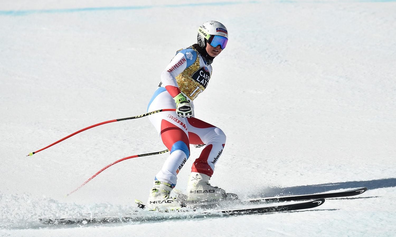 ویمن اسکی ورلڈکپ مقابلوں کے سلسلے میں سوئٹزرلینڈ کی کورین سوٹر نے ٹریننگ مکمل کی—فوٹو:رائٹرز