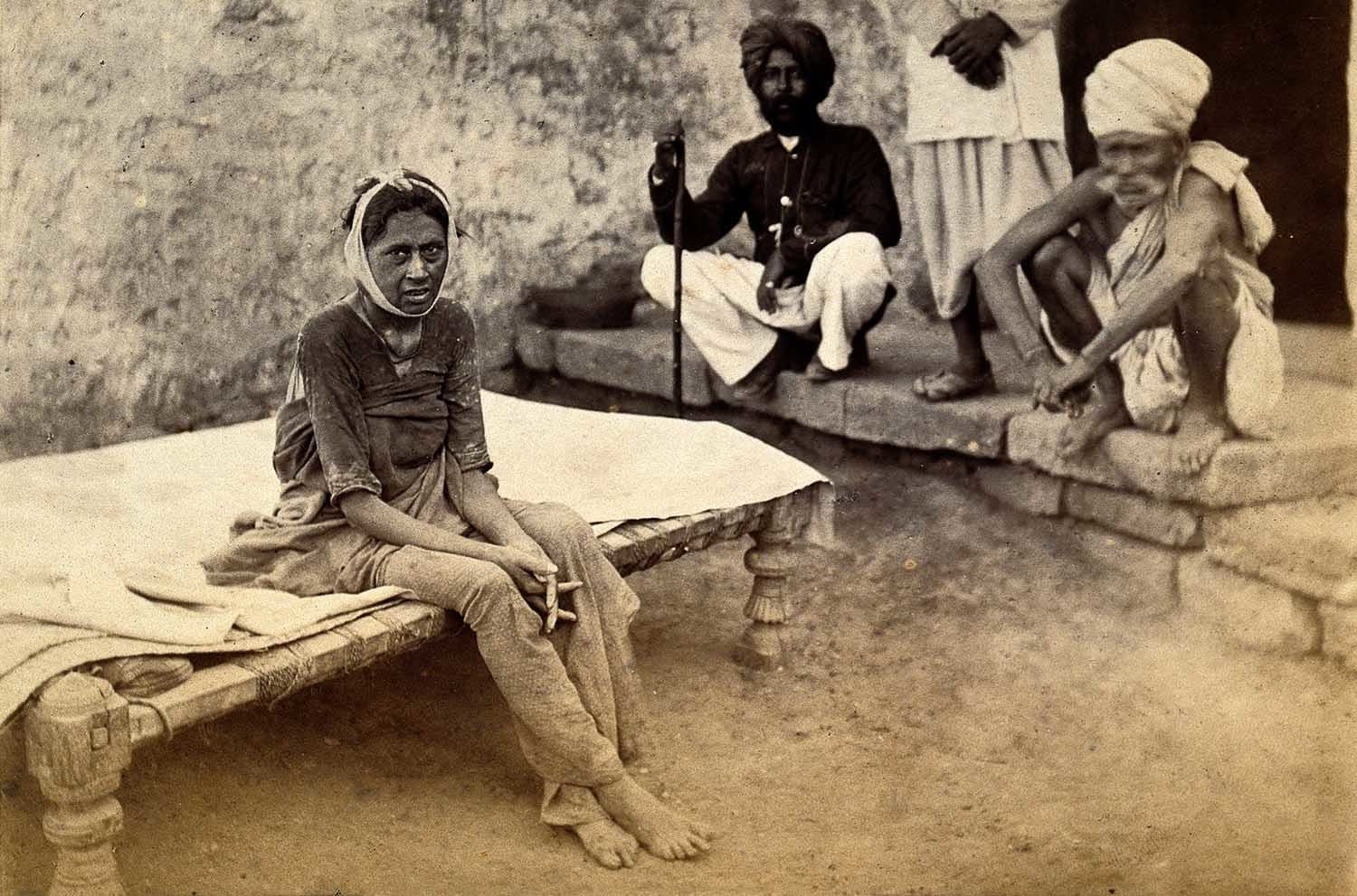 A woman suffering from Bubonic plague in Karachi, 1897. (Photo: Evan Andrews)