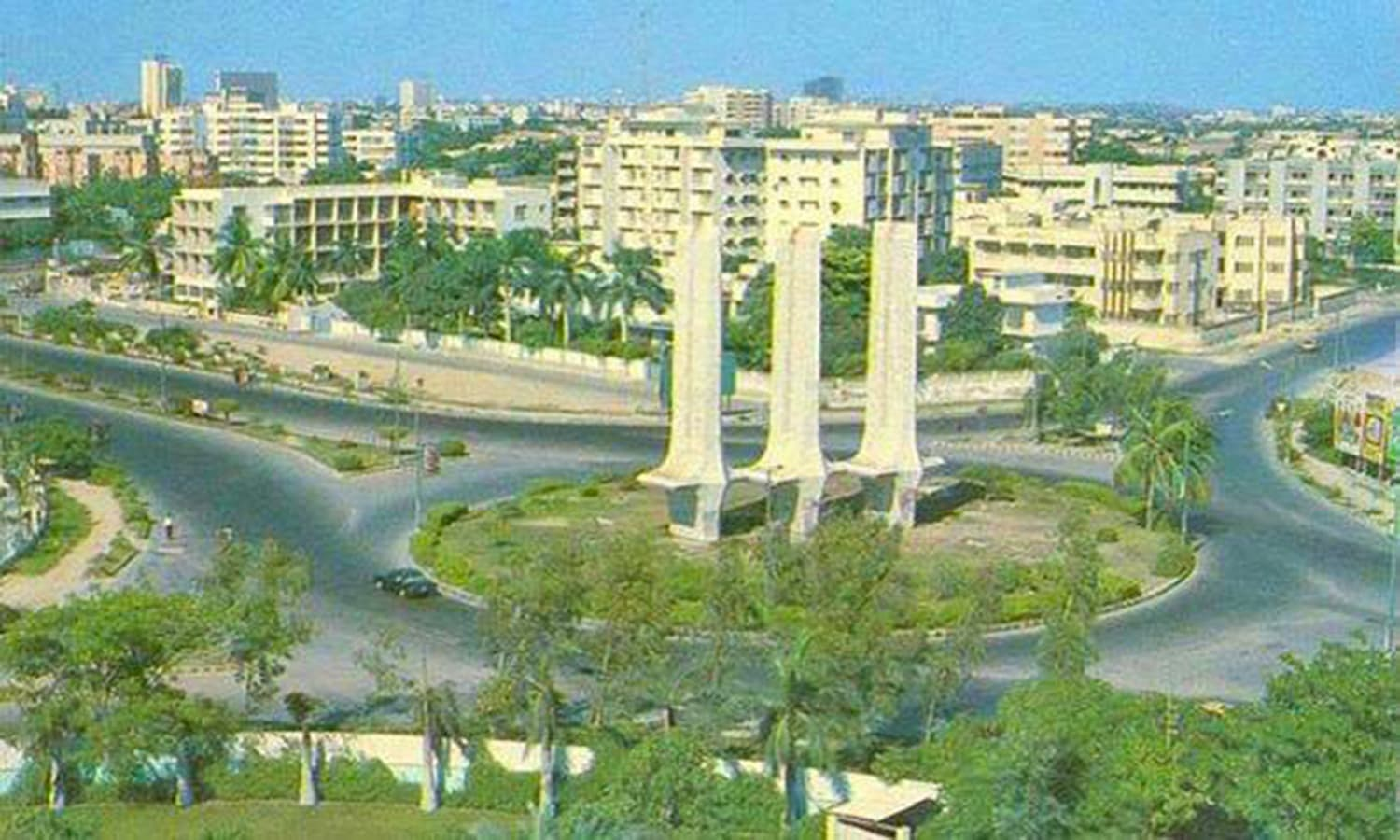 Karachi, 1974: The Bhutto regime did initiate a 'beautification project' in the city. But the project collapsed in 1977.(Photo: Archive 150)