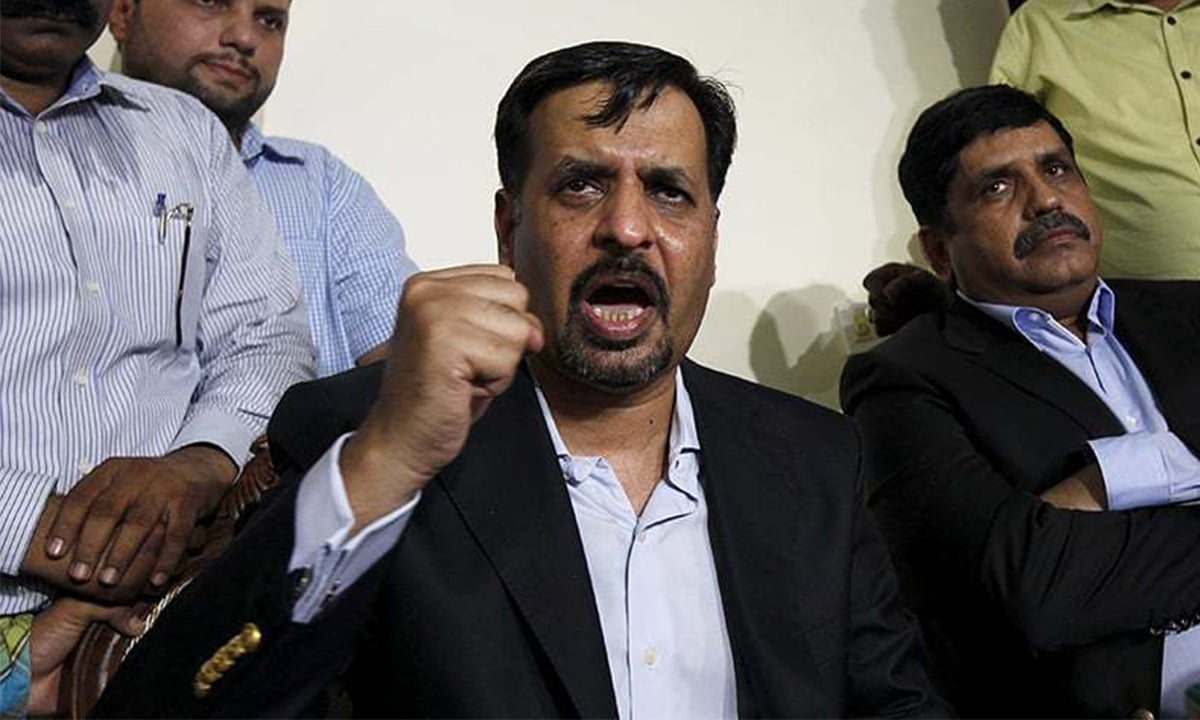 Mustafa Kamal addresses a press conference in Karachi upon returning to Pakistan on March 3, 2016 | Reuters