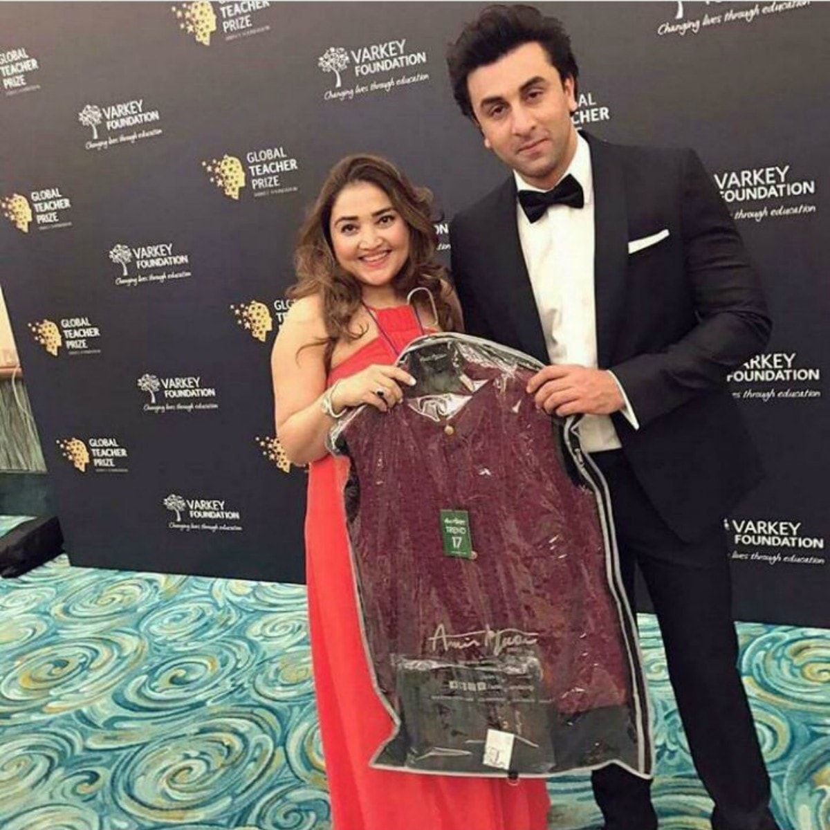 Huma Adnan gifted a sherwani to the Bollywood star