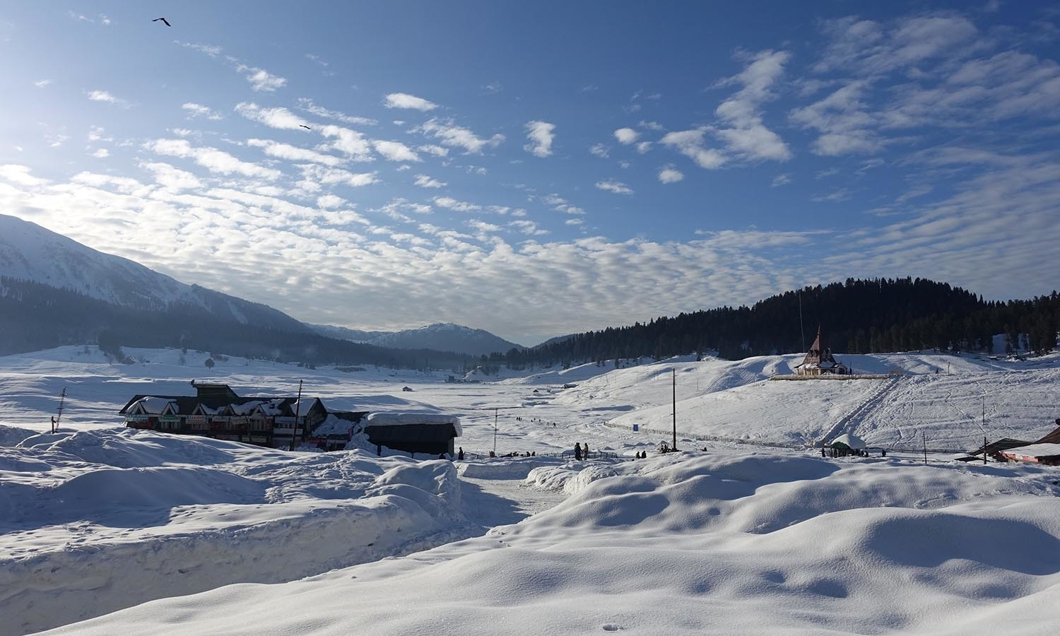 A general view of the village of Gulmarg in Indian-administered Kashmir.─AFP