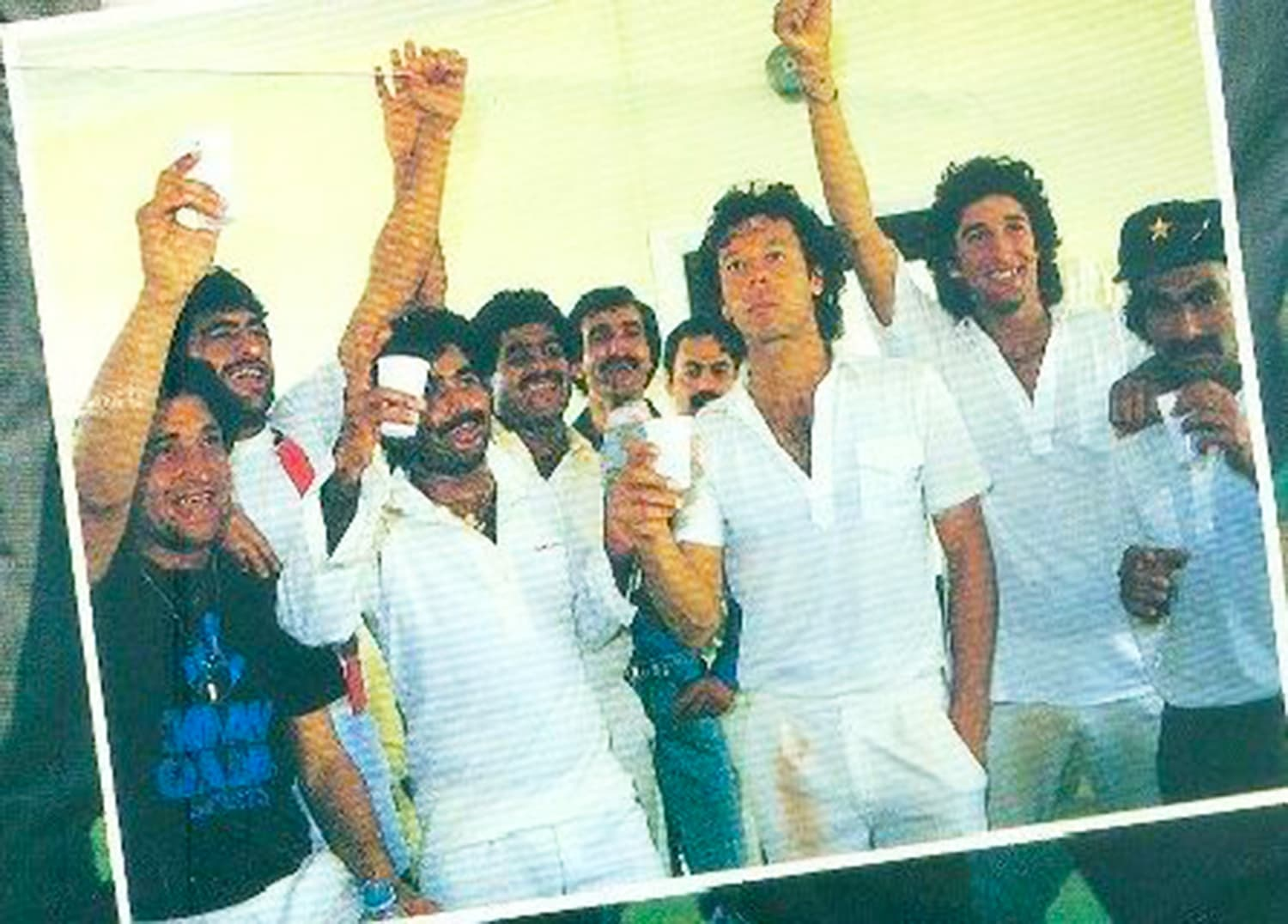 Sharjah, 1986. Pakistan team celebrates its first major tournament win. This victory propelled cricket ahead of hockey in Pakistan for the first time in more than 25 years. -- Photo: Akhbar-e-Watan