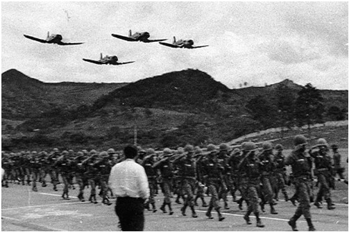 Honduran troops amass near the country's border with El Salvador. Both countries went to war over a world cup qualifying match in 1969. -- Photo: Bullfax
