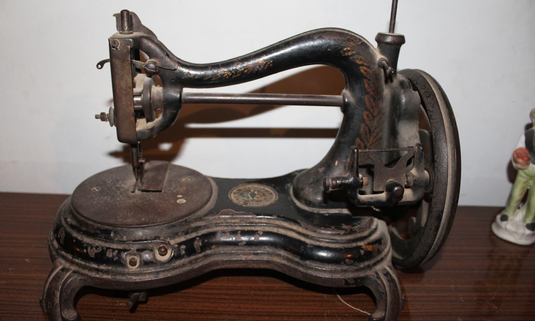 قدیم سلائی مشین — تصویر اختر حفیظ