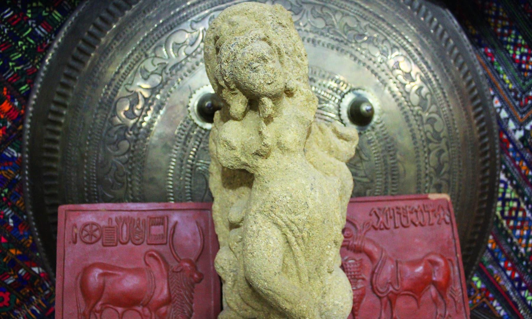 ایک قدیم مورتی — تصویر اختر حفیظ
