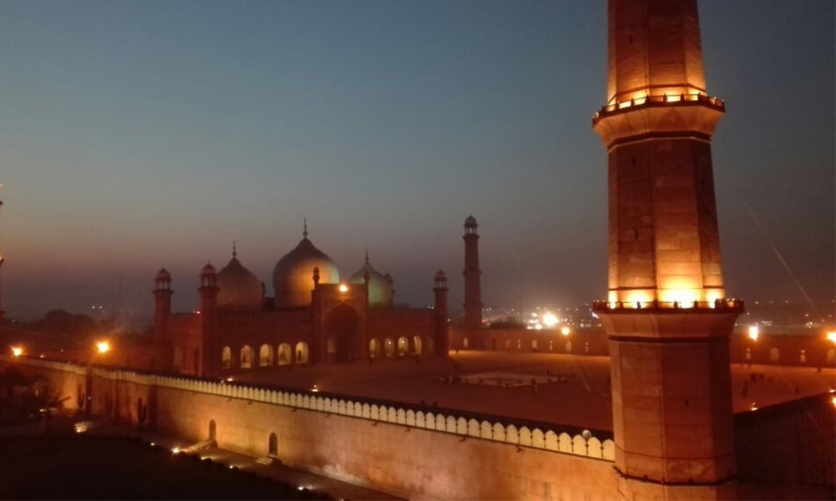 Badshahi Mosque | Photo by Fahad Shah