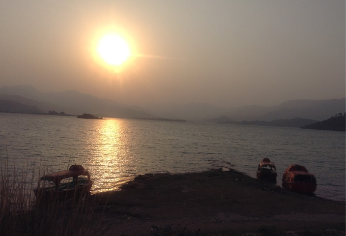 A beautiful view of the sunset at the Khanpur lake | Tanveer Shehzad/White Star and Mohammed Niaz