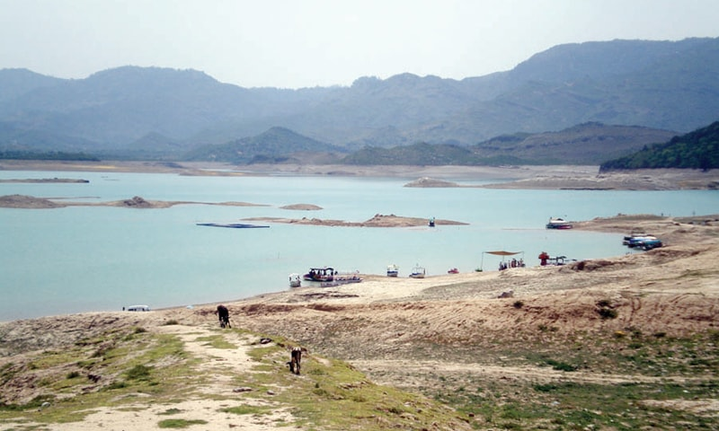 Water level goes down in the Khanpur Dam as the summer becomes harsh   Tanveer Shehzad/White Star and Mohammed Niaz