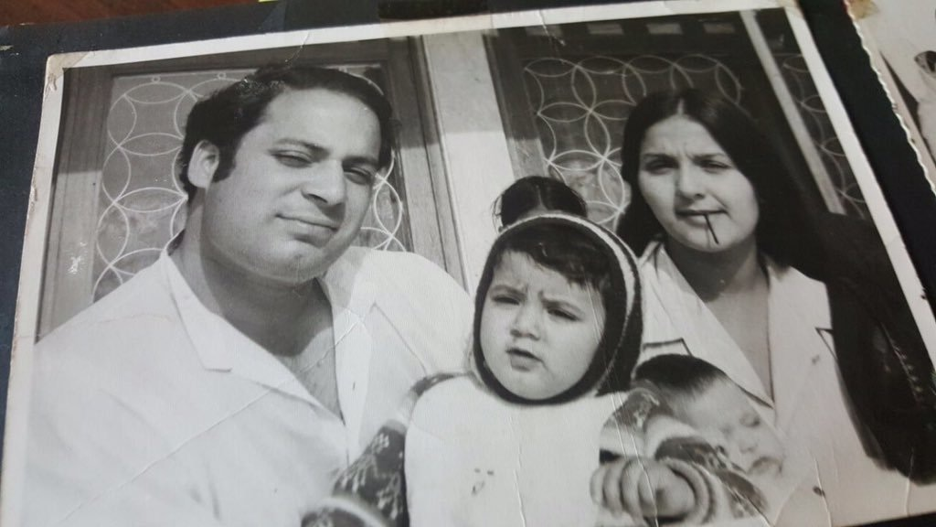 Nawaz Sharif, Kulsoom Nawaz and Hussain Nawaz, their first child. ─ Photo courtesy Maryam Nawaz official Twitter