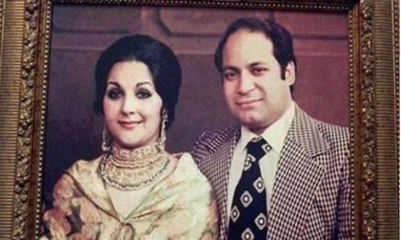 Nawaz Sharif and his wife Kulsoom Nawaz. ─ Photo courtesy Aaj TV