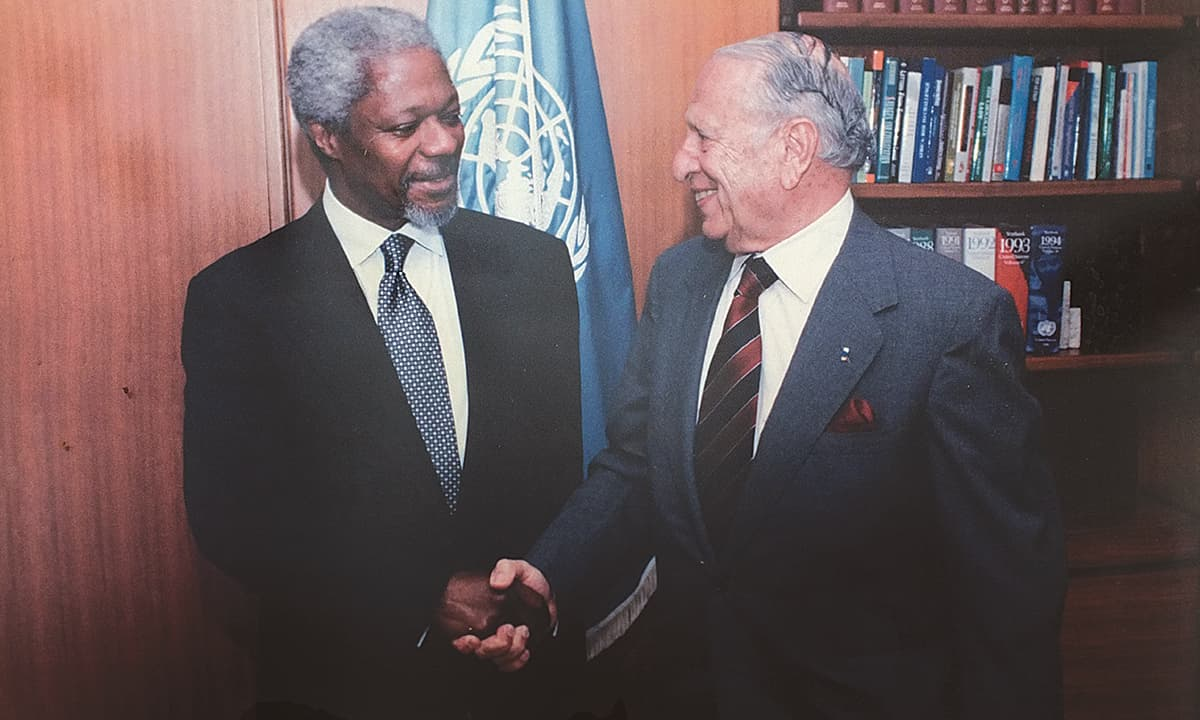 Markar with former UN secretary general Kofi Annan. ─ Photo courtesy Jamsheed Markar