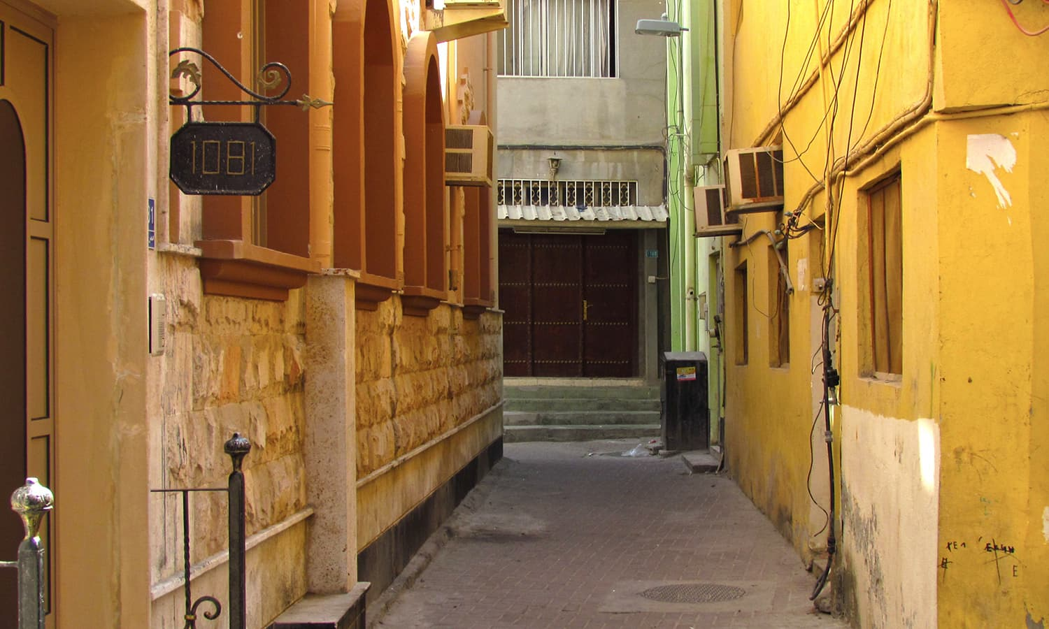 One of the many alleyways in Muharraq.