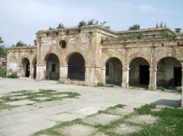 The old railway station building in Chakwal.