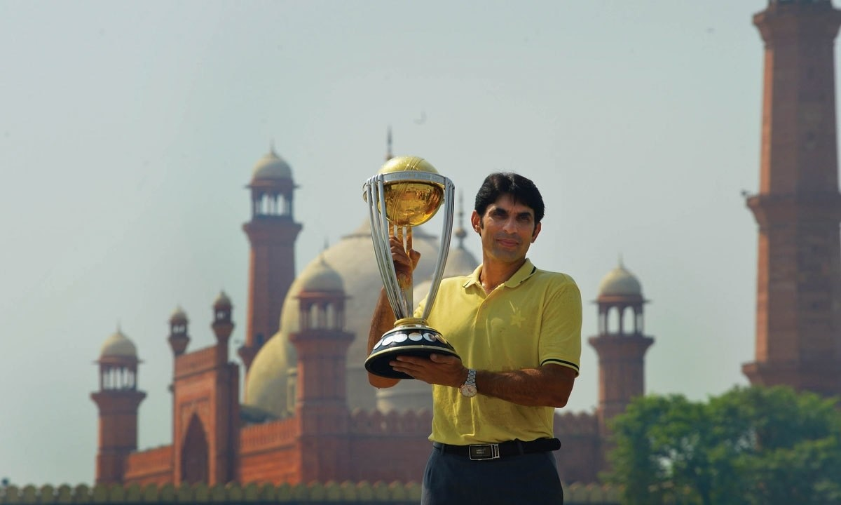 Misbahul Haq poses with the 2015 ICC Cricket World Cup Trophy in front of Badshahi Mosque in Lahore | Arif Ali, White Star