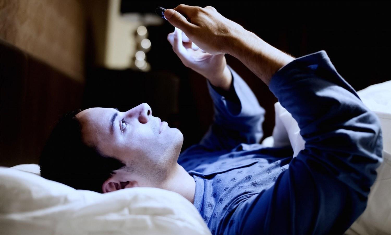 رات گئے تک جاگنا ڈپریشن کا خطرہ بڑھائے