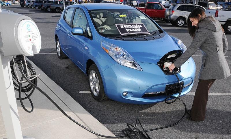 کیلیفورنیا میں الیکٹرک گاڑیوں پر ٹیکس وصول ہوگا