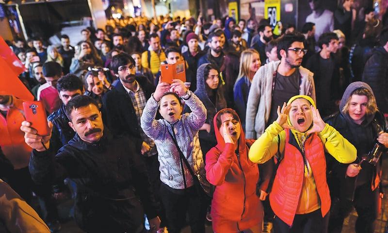 Erdogan must heal divided Turkey after bitter referendum
