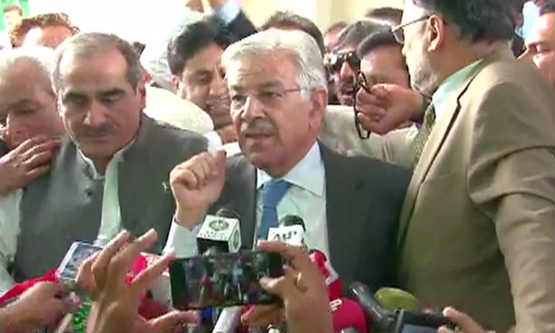 Defence Minister Khawaja Asif outside the Supreme Court. ─DawnNews