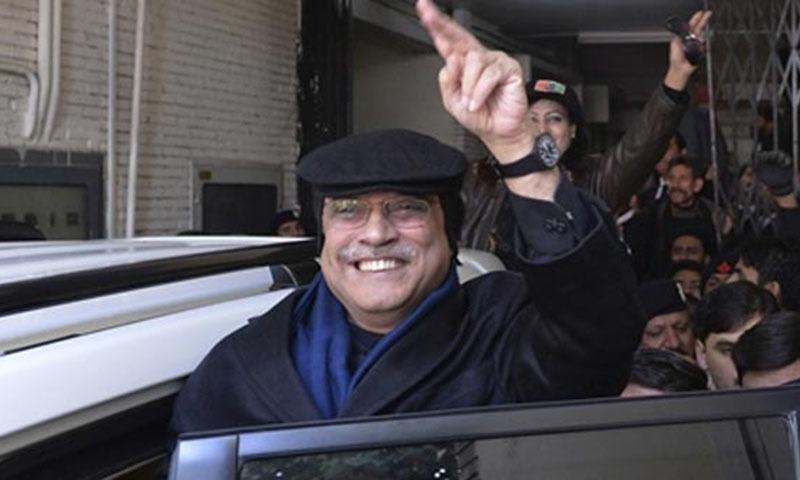 آصف  علی زرداری کے 'ٹوپی' اسٹائل