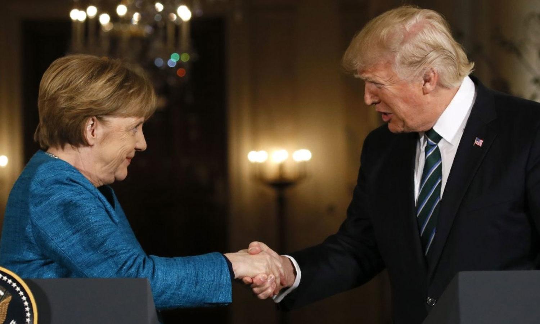 جرمن چانسلر اینجلا مرکل اور ڈونلڈ ٹرمپ — فائل فوٹو / اے ایف پی