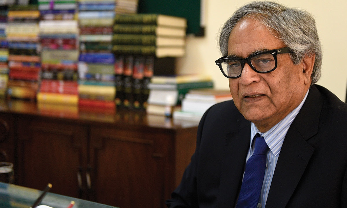 Iftikhar Arif sits in his office at the National Language Promotion Department | Tanveer Shahzad, White Star