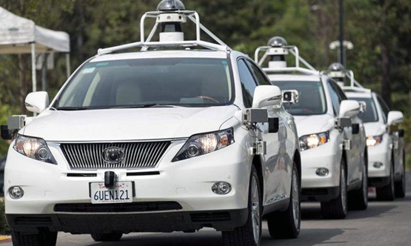 ڈرائیور کے بغیر چلنے والی گاڑیاں کتنی محفوظ؟