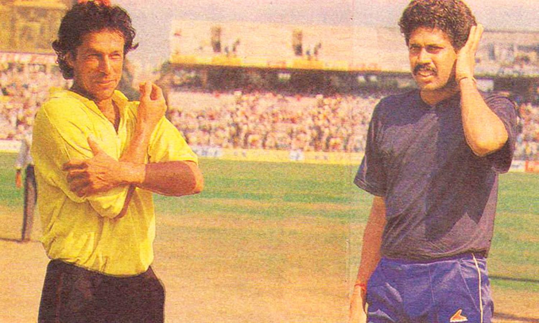 Imran and Kapil at the toss. Photo: Akhbar-e-Watan.