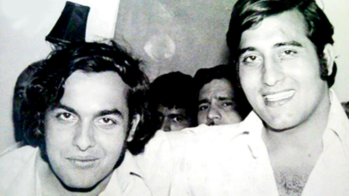 Mahesh Bhatt and Vinod Khanna in happier times