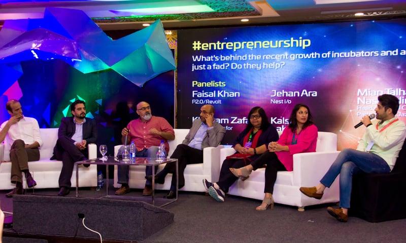 From L to R: Bilal Ahmad (Peshawar 2.0), Mian Talha (Jazz xlr8), Khurram Zafar (LUMS), Parvez Abbasi (Team Up), Jehan Ara (Nest I/O), Kulsum Lakhani (Invest 2 Innovate), Moderator: Osman Hussain (Tech in Asia)