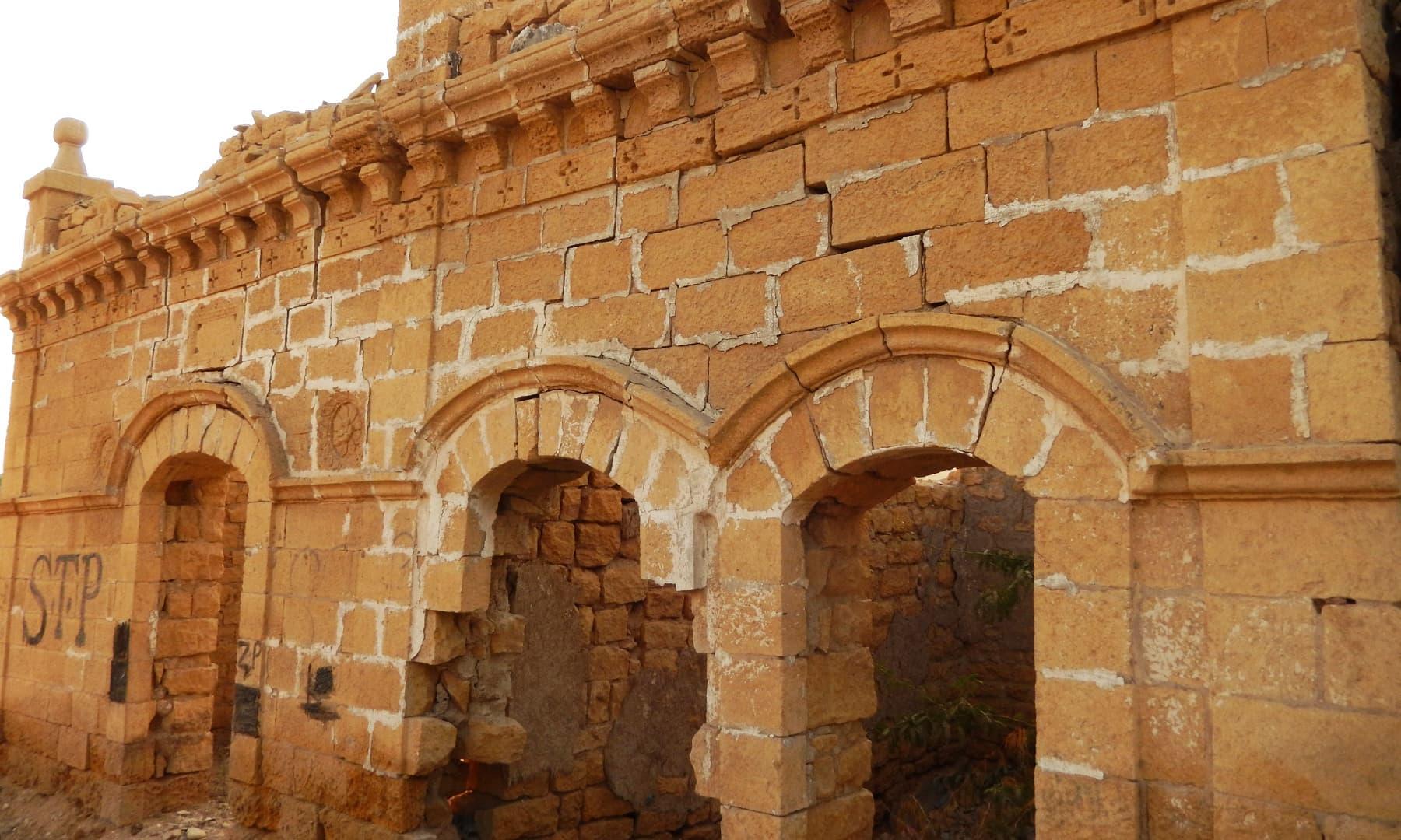 جھرک میں واقع پرانے گھر— تصویر ابوبکر شیخ