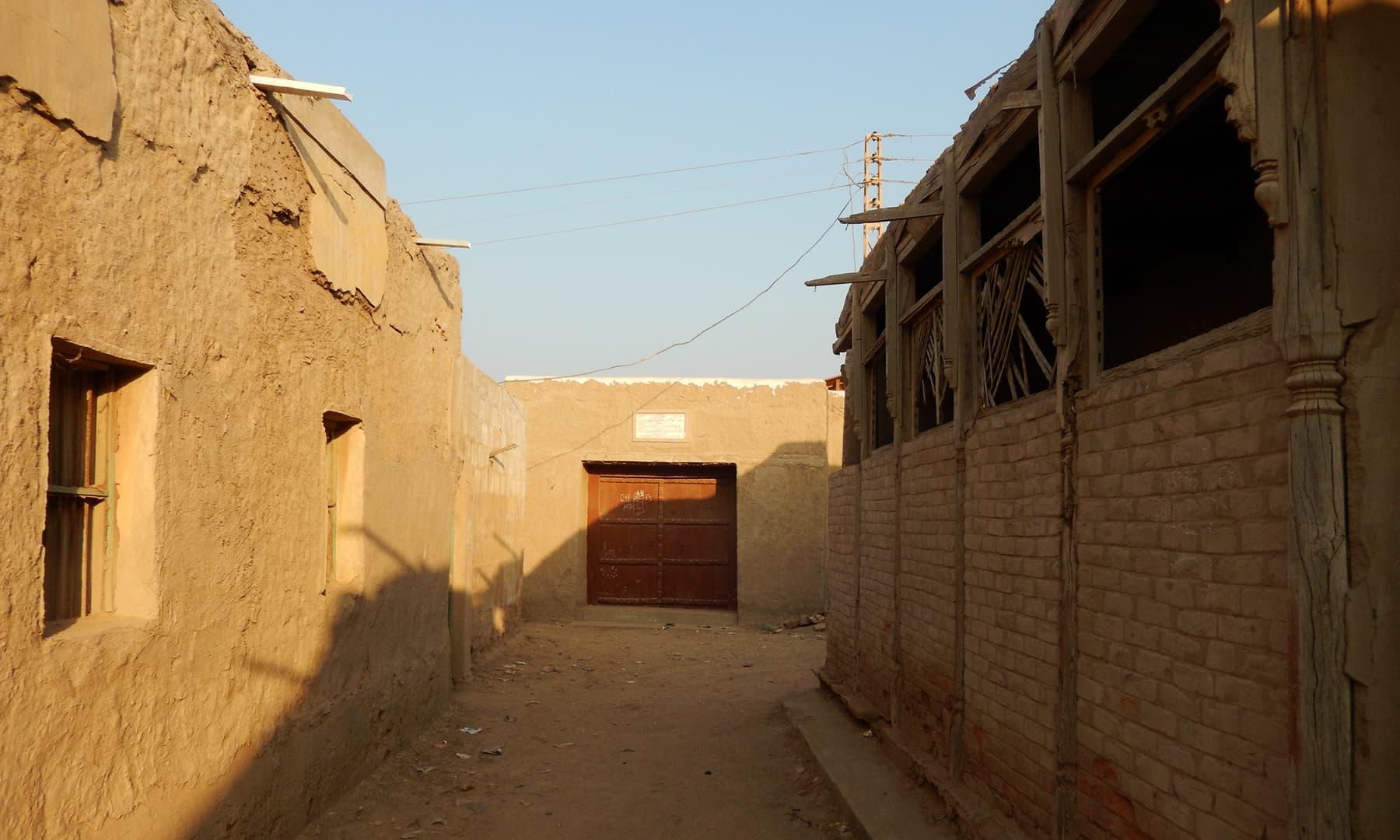 جھرک کی گلیاں اور محلے —تصویر ابوبکر شیخ