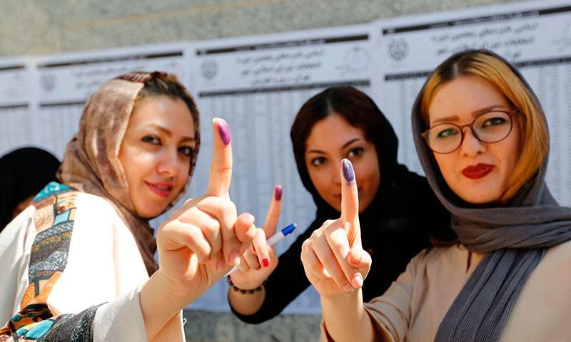 ایرانی عوام نے بلدیاتی نمائندے بھی منتخب کیے—فوٹو: اے ایف پی