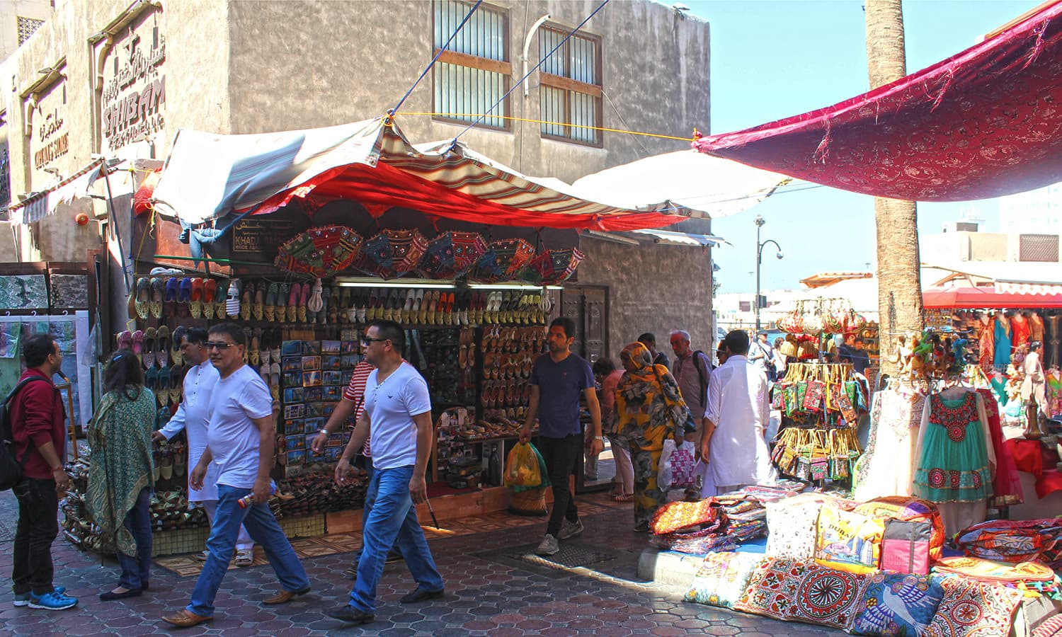 As I walked through the narrow alleys of the *souk*, I noticed the diverse range of visitors and didn't spot many locals, similar to most areas in Dubai.