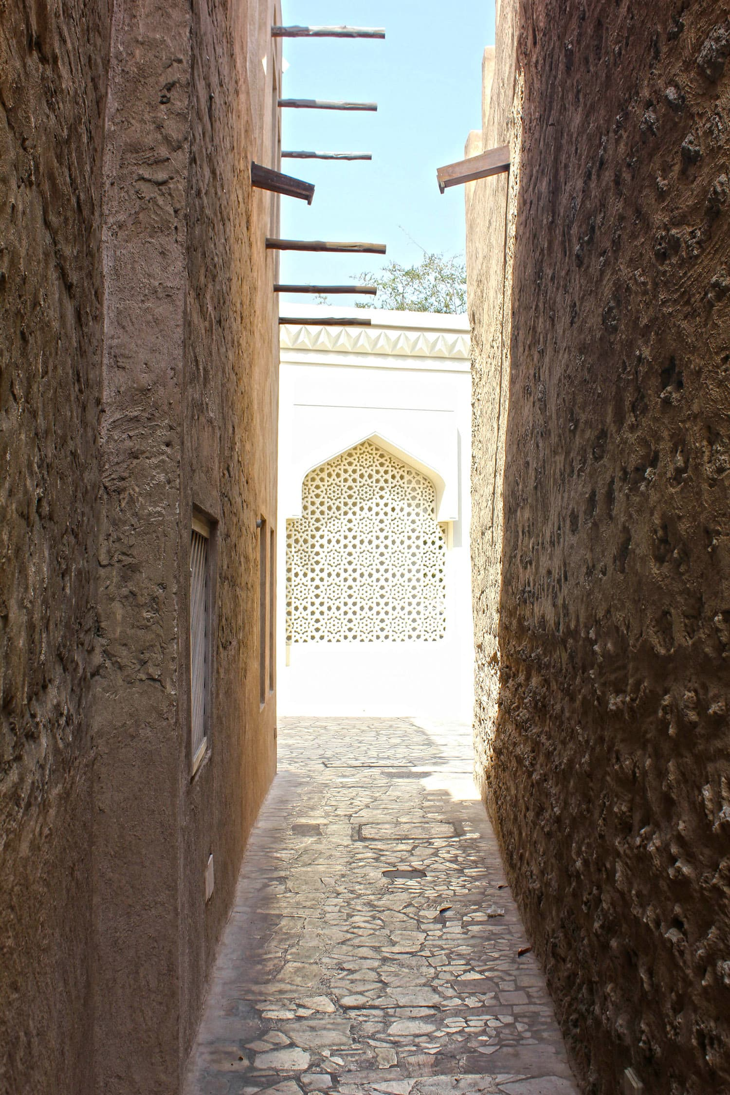 One of the many narrow alleys leading to the mosque in Bastakiya.