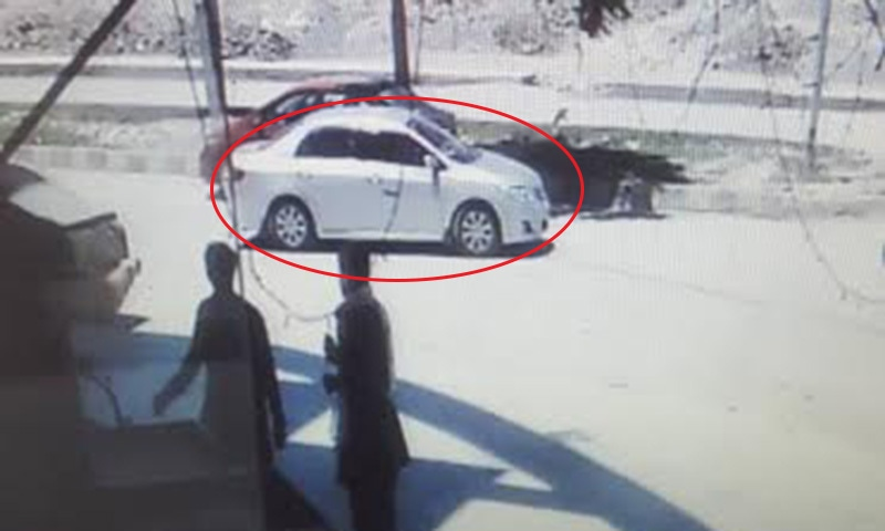 CCTV footage shows the car in which the Chinese nationals were abducted.─Security sources.