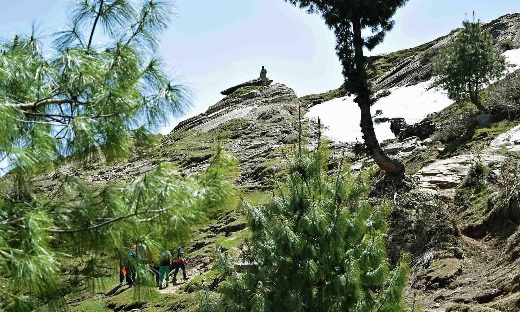 سرے شاہ سر جھیل شروع ہوا چاہتی ہے— تصویر امجد علی سحاب