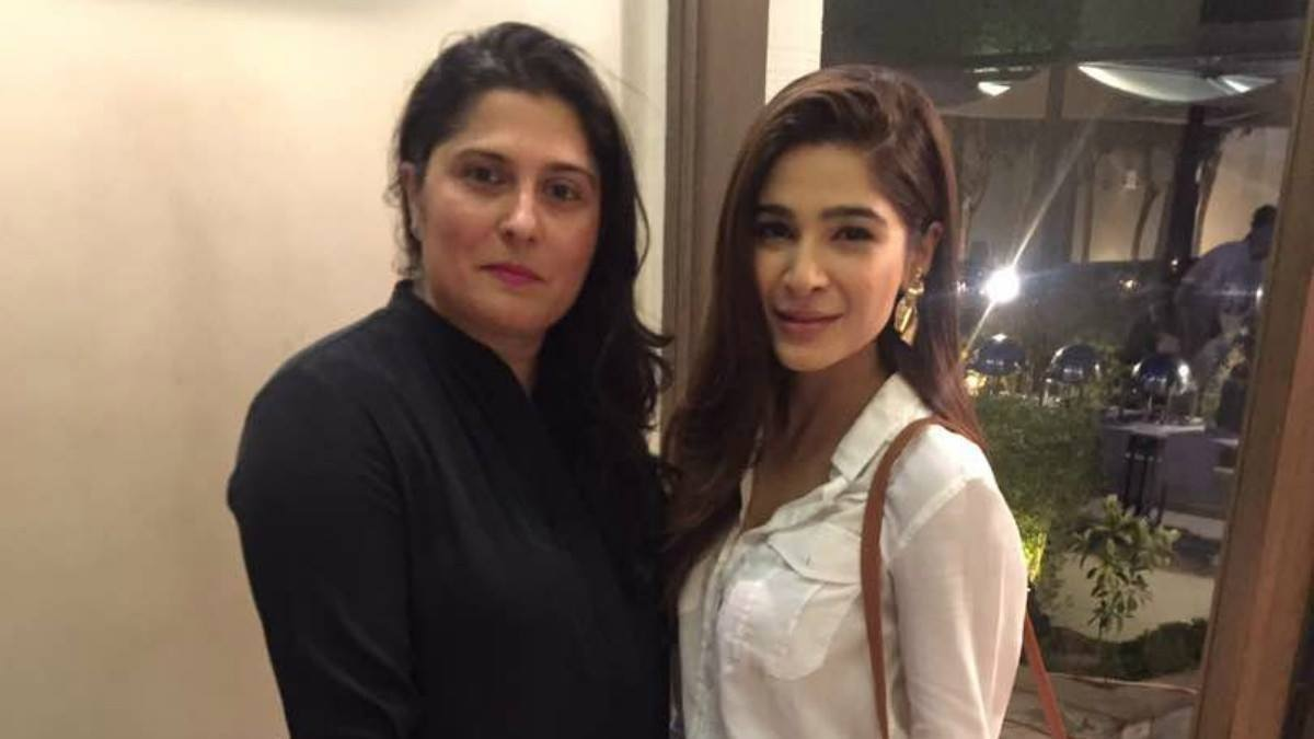 Sharmeen with actor Ayesha Omar at the launch of R5 Foundation