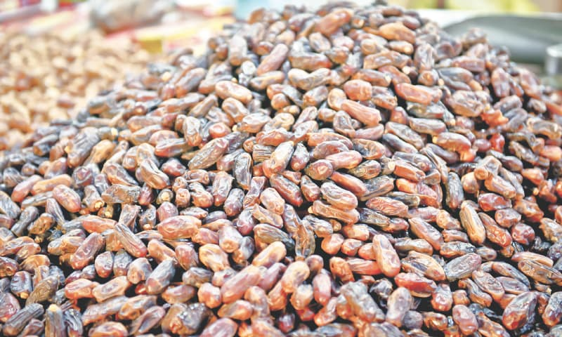 For those who like dried dates there are the chuharay. / Photos by Fahim Siddiqi / White Star