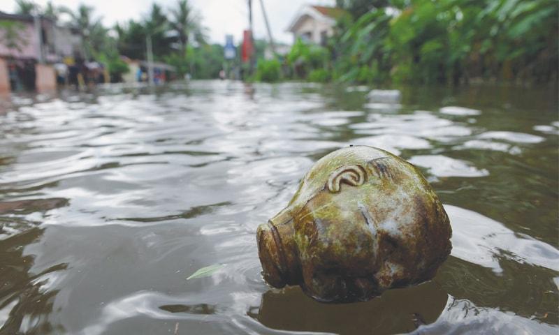 Sri Lanka flood toll exceeds 150; more rains forecast