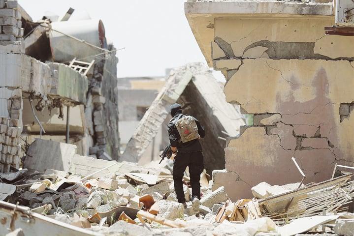 Iraqi forces advance on ISIS-held neighborhoods in western Mosul