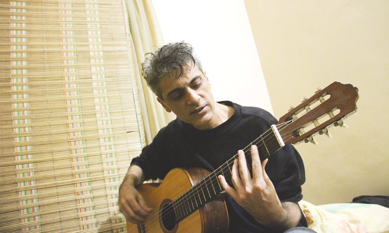Ace guitarist Amir Zaki dies