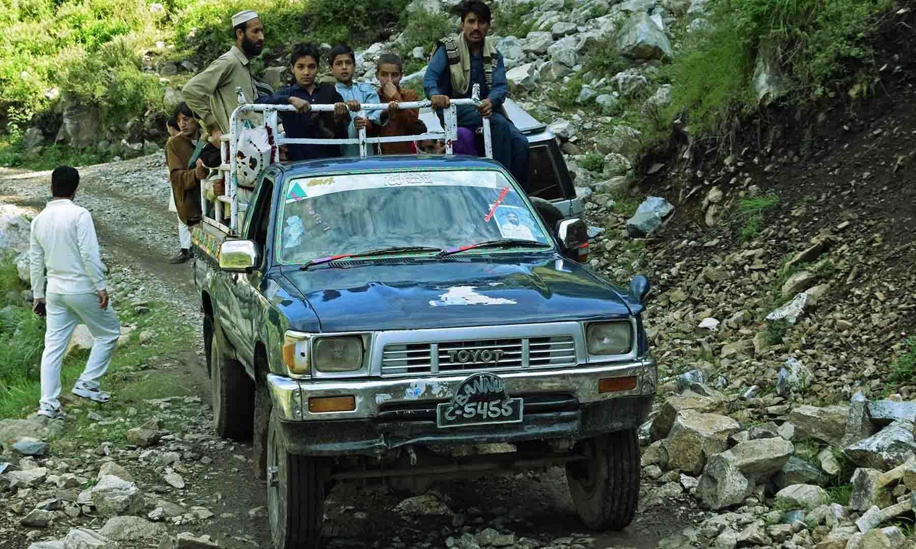 جیپ ایبل ٹریک کا منظر— تصویر امجد علی سحاب