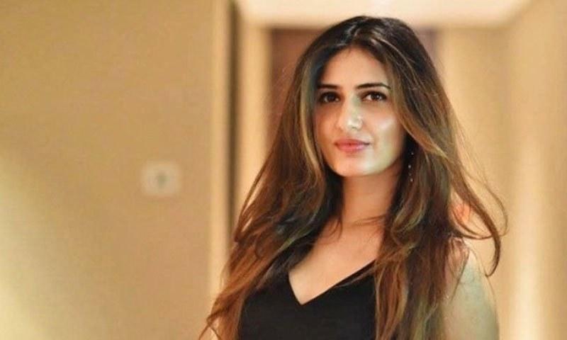لباس وانداز پر تضحیک کا نشانہ بننے والی بھارتی اداکارائیں