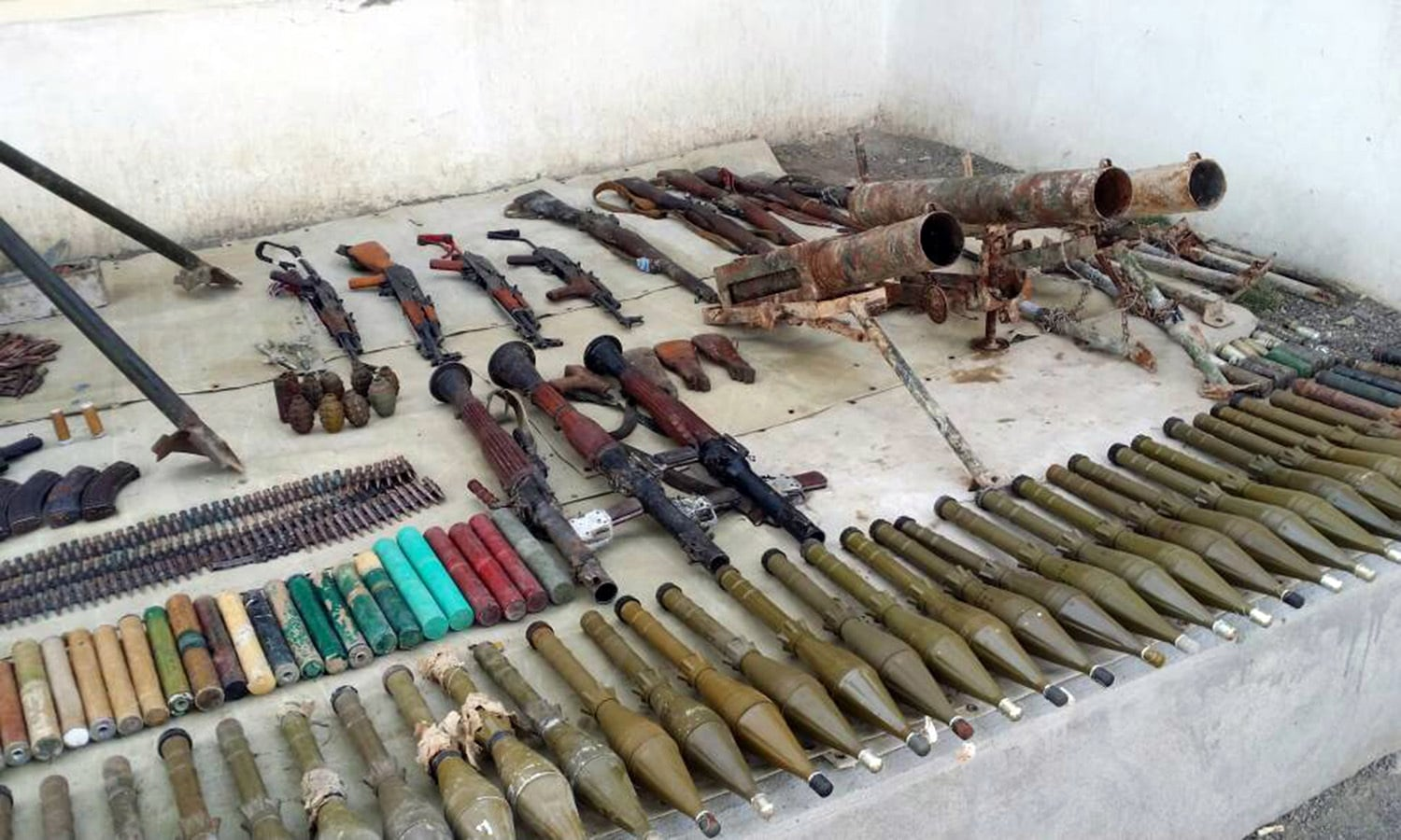 Various types of weapons and ammunition were seized during the operation.─ISPR